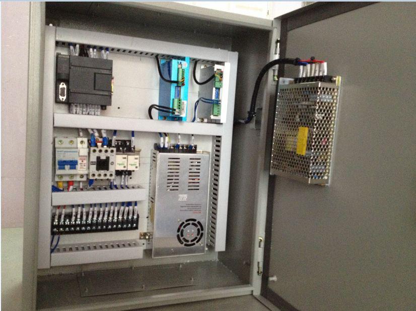 3,步进电机控制切带      以下由东莞精一控自动化公司制作电箱电路